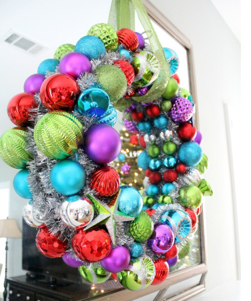 Meg6 Colorful Christmas Bulb Wreath